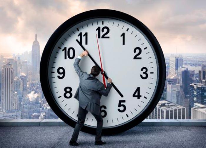 часы и человек