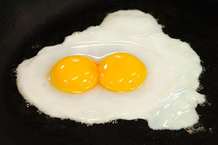яичница с двойным желтком