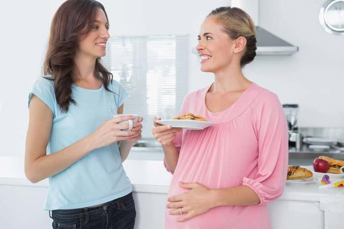 доесть за беременной