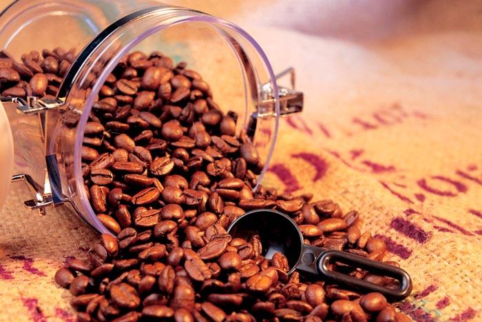 рассыпанный кофе