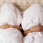 спят под разными одеялами